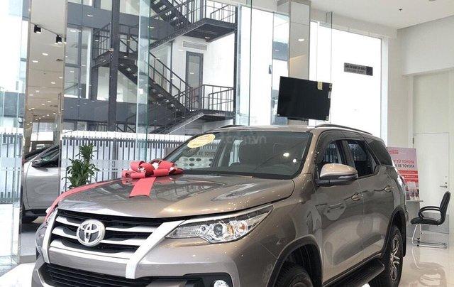 Toyota Fortuner 2.4L 4x2 động cơ dầu đời mới 2019, khuyến mãi lớn nay chỉ còn 979 triệu và tặng phiếu dầu 10 triệu1