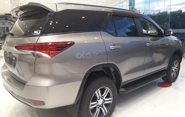 Toyota Fortuner 2.4L 4x2 động cơ dầu đời mới 2019, khuyến mãi lớn nay chỉ còn 979 triệu và tặng phiếu dầu 10 triệu6
