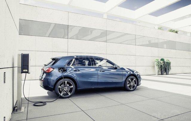 Mercedes-Benz ra mắt phiên bản hybrid cho dòng A-Class và B-Class2