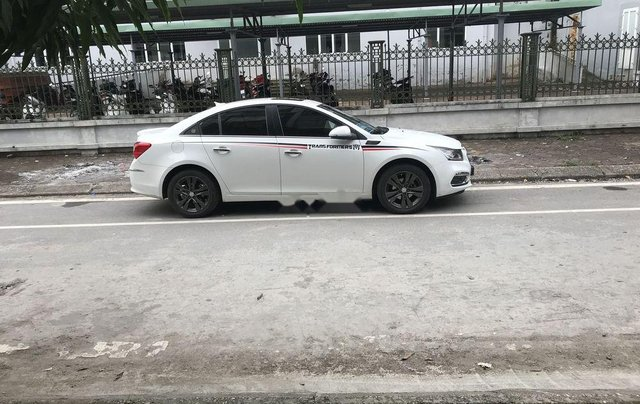 Bán Chevrolet Cruze năm sản xuất 2017, màu trắng chính chủ3