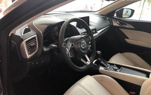 Mazda 3 ưu đãi lớn, sẵn xe đủ màu, LH: 0889.089.5887