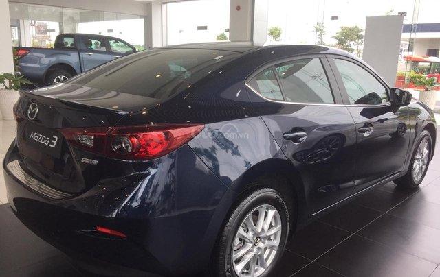 Mazda 3 ưu đãi lớn, sẵn xe đủ màu, LH: 0889.089.58813