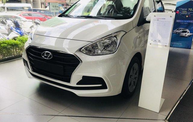 Khuyến mãi giảm giá 20 triệu + tặng 7 món phụ kiện với Hyundai Grand i10, giao xe ngay, hotline: 0974 064 6054