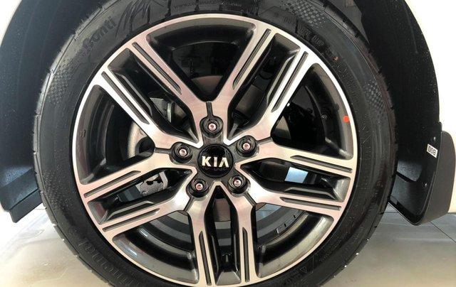 Bán Kia Cerato 1.6 Luxury sản xuất năm 2019, màu trắng, giá tốt6