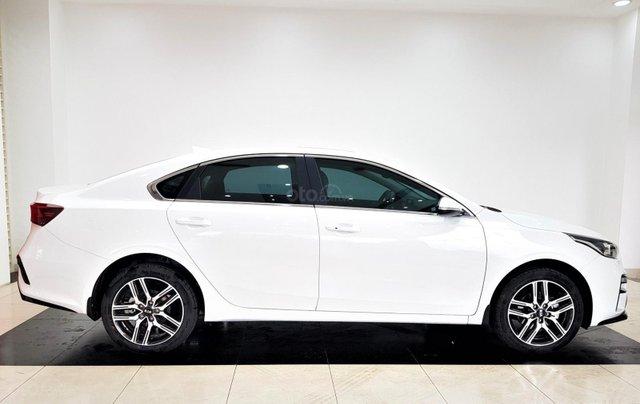 Bán Kia Cerato 1.6 Luxury sản xuất năm 2019, màu trắng, giá tốt1