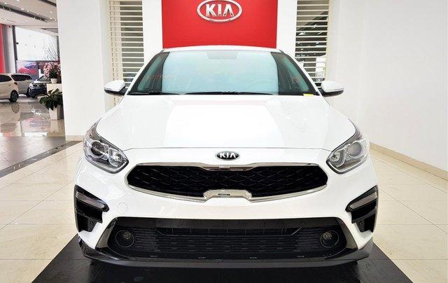 Bán Kia Cerato 1.6 Luxury sản xuất năm 2019, màu trắng, giá tốt0