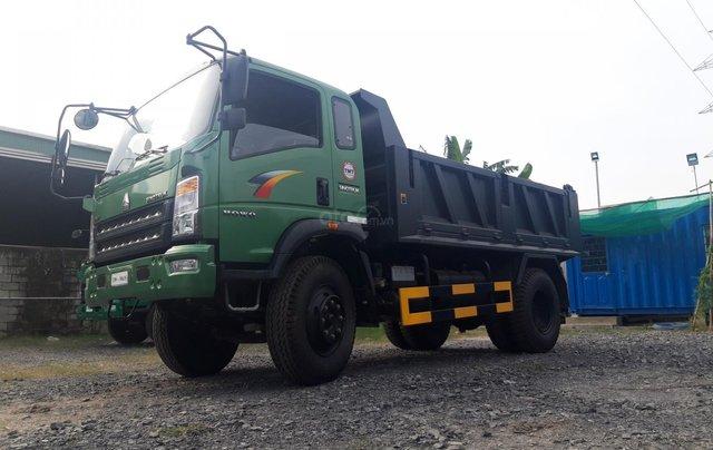 [ Xe Ben Howo 8,6 tấn ] Thanh lí xe Howo 2017 thùng 6,8 khối, giá theo nhà máy0
