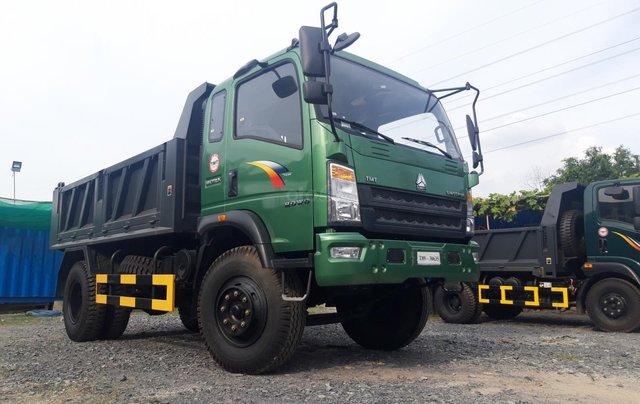 [ Xe Ben Howo 8,6 tấn ] Thanh lí xe Howo 2017 thùng 6,8 khối, giá theo nhà máy1