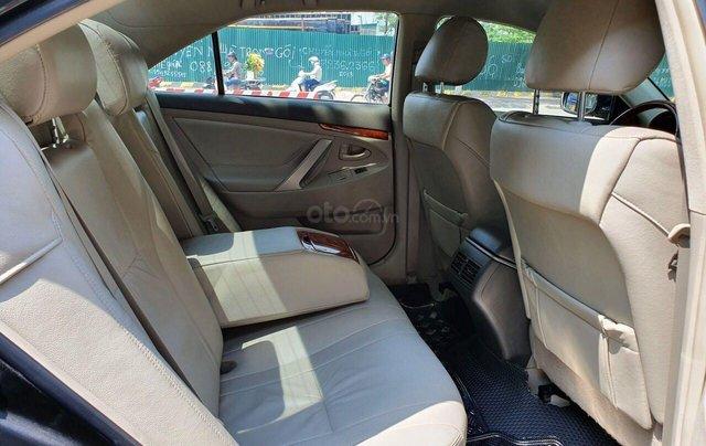Cần bán Toyota Camry 2.4G sx 2011, màu đen, biển Hà Nội4