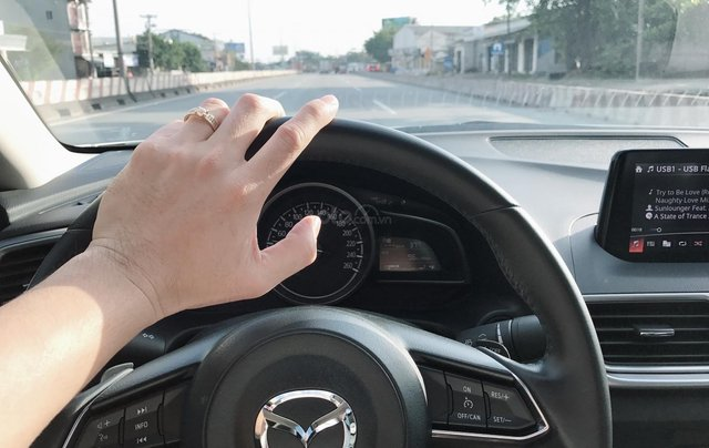 Bán Mazda 3 Facelift đầu 2018, chính chủ, biển số thần tài1