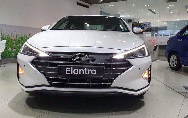 Bán Hyundai Elantra 1.6 ATnăm 2019, giá thấp, giao nhanh toàn quốc0