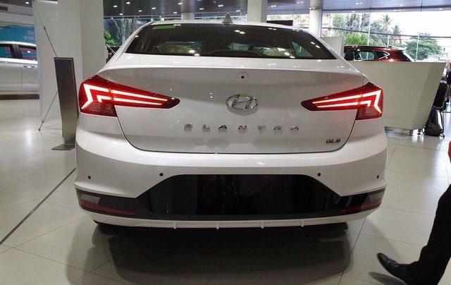 Bán Hyundai Elantra 1.6 ATnăm 2019, giá thấp, giao nhanh toàn quốc4