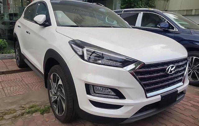 Bán xe Hyundai Tucson 1.6 AT Turbo 2019, màu trắng, 915 triệu0