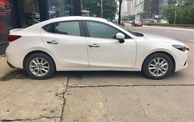 Chính chủ bán xe Mazda 3 1.5 AT năm sản xuất 2019, màu trắng0