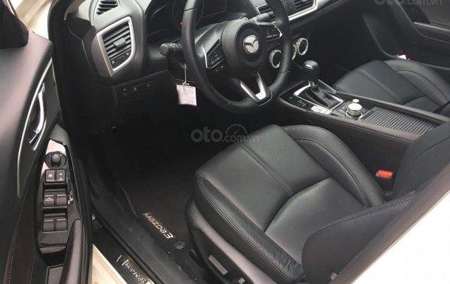 Chính chủ bán xe Mazda 3 1.5 AT năm sản xuất 2019, màu trắng2