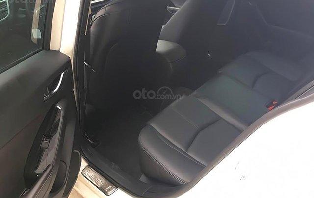 Chính chủ bán xe Mazda 3 1.5 AT năm sản xuất 2019, màu trắng4