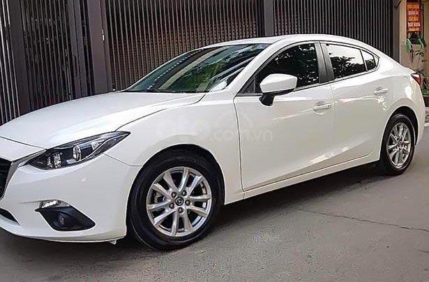 Cần bán gấp Mazda 3 1.5 AT sản xuất năm 2016, màu trắng0