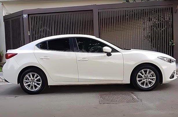 Cần bán gấp Mazda 3 1.5 AT sản xuất năm 2016, màu trắng2