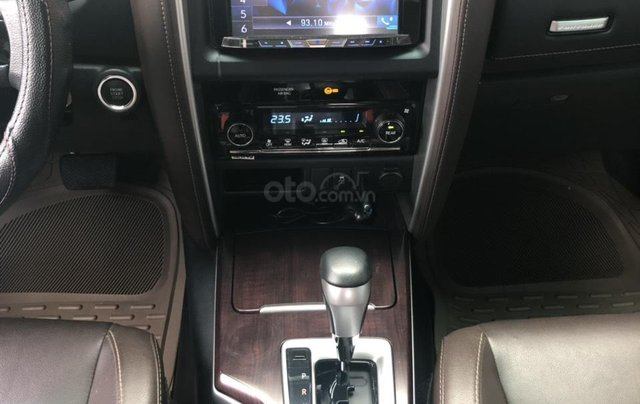 Bán Toyota Fortuner 2.7V máy xăng, số tự động, 1 cầu, nhập Indonesia 2017, màu trắng camay1