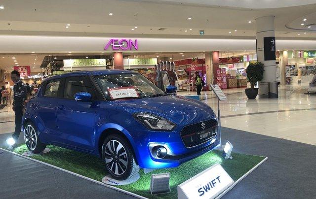 Suzuki Swift GLX giảm tiền mặt, gói phụ kiện hấp dẫn, đủ màu giao ngay2