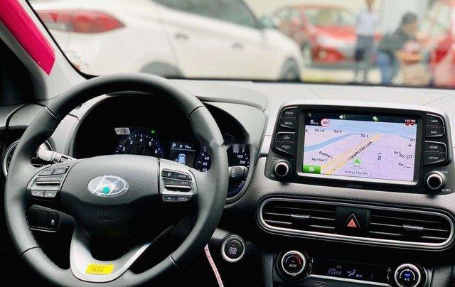 Cần bán xe Hyundai Kona AT tiêu chuẩn năm sản xuất 2019, giá thấp2