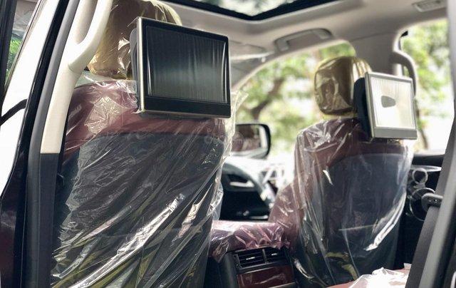 MT Auto - Cần bán nhanh chiếc xe Lexus LX 570, nhập khẩu nguyên chiếc 9