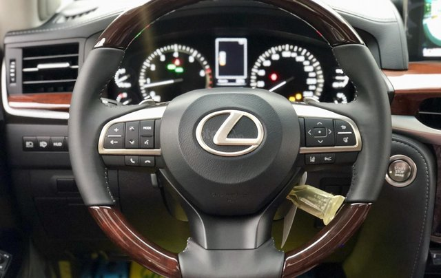 MT Auto - Cần bán nhanh chiếc xe Lexus LX 570, nhập khẩu nguyên chiếc 13