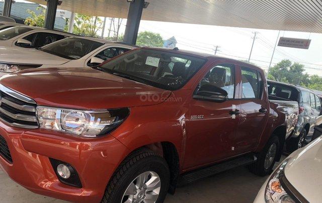 Tưng bừng giảm giá cuối năm chiếc xe Toyota Hilux đời 2019 - Xe có sẵn, giao nhanh toàn quốc4