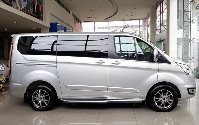 Bán Ford Tourneo 2019 đủ màu, liên hệ đặt xe ngay, giá chỉ từ 999 triệu1