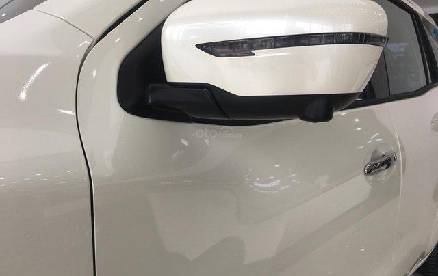 Xe Nissan Terra V 2.5 AT 4WD 2019, xe nhập2