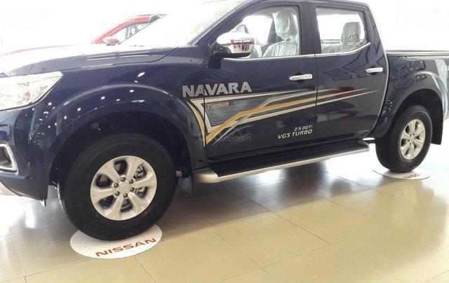 Xe Nissan Navara EL giao ngay giá sock1