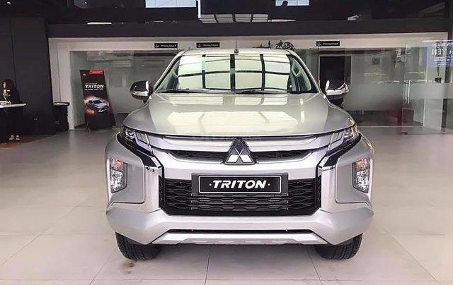 Bán Mitsubishi Triton 2.4 Mivec sản xuất 2019, màu bạc, xe nhập3