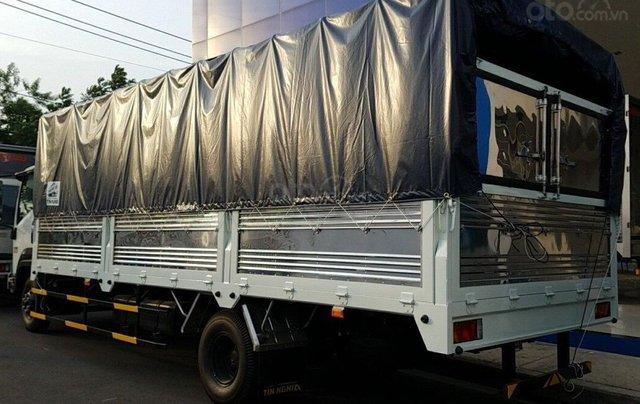 Isuzu 6.5 tấn, thùng bạt 6m7 - KM: Máy lạnh, 9 phiếu bảo dưỡng, radio MP32