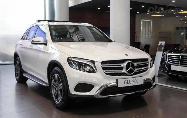 Mercedes GLC 200 2019 - khuyến mại cực sốc - trả góp đến 85% - liên hệ 09695776990
