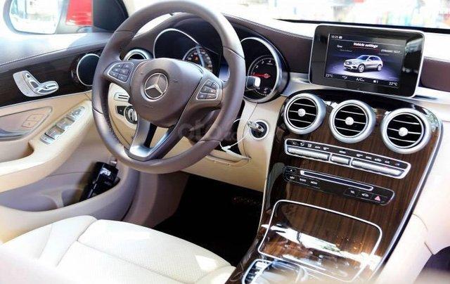 Mercedes GLC 200 2019 - khuyến mại cực sốc - trả góp đến 85% - liên hệ 09695776992