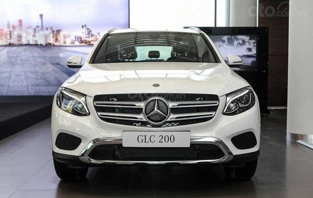 Mercedes GLC 200 2019 - khuyến mại cực sốc - trả góp đến 85% - liên hệ 09695776996