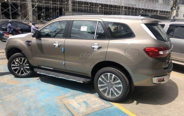 Ford Everest Biturbo 2019 giá tốt nhất, khuyến mãi 60 triệu2