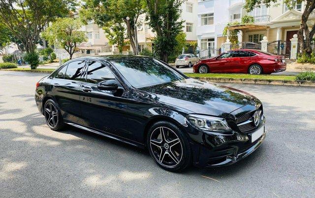 Bán xe Mercedes C300 AMG 2019 bảo hành chính hãng đến 2022, trả trước 700 triệu nhận xe ngay1