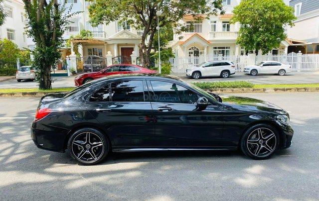 Bán xe Mercedes C300 AMG 2019 bảo hành chính hãng đến 2022, trả trước 700 triệu nhận xe ngay2