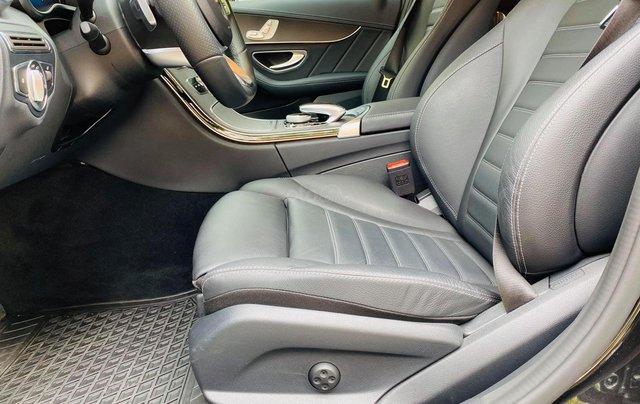 Bán xe Mercedes C300 AMG 2019 bảo hành chính hãng đến 2022, trả trước 700 triệu nhận xe ngay3