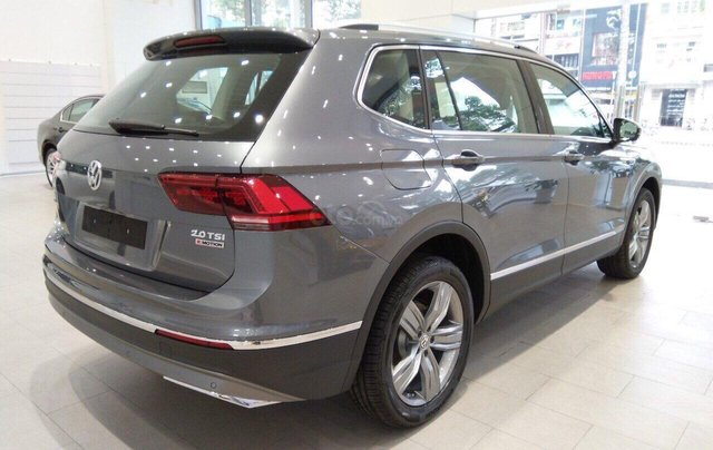 Volkswagen Tiguan nhập khẩu 7 chỗ ưu đãi cực tốt trong tháng 10, liên hệ Ms. Châu 09393360074