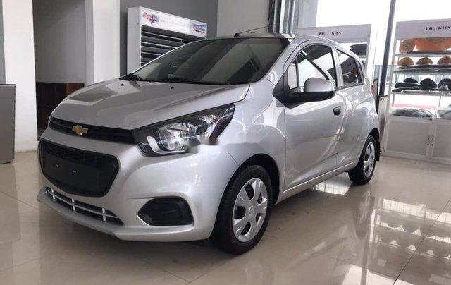 Cần bán Chevrolet Spark Duo 1.2L đời 2018, màu bạc như mới1