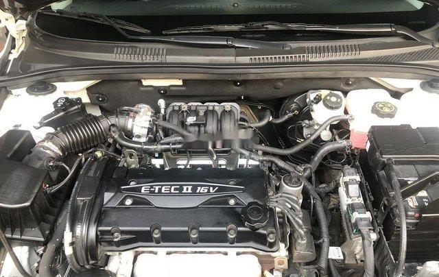 Cần bán lại Chevrolet Cruze sản xuất năm 2017, màu trắng2