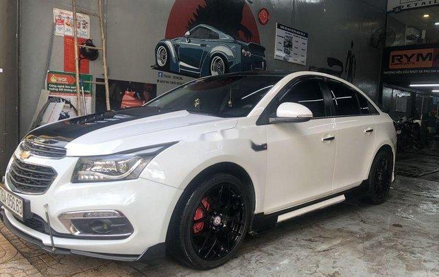 Cần bán lại Chevrolet Cruze sản xuất năm 2017, màu trắng1