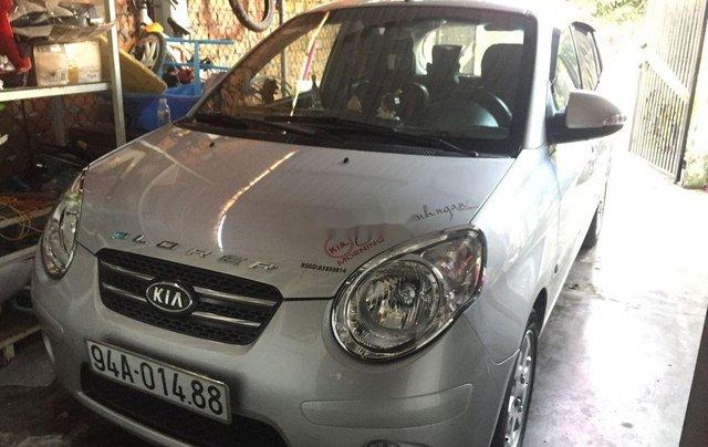 Cần bán gấp Kia Morning năm 2009, màu bạc0