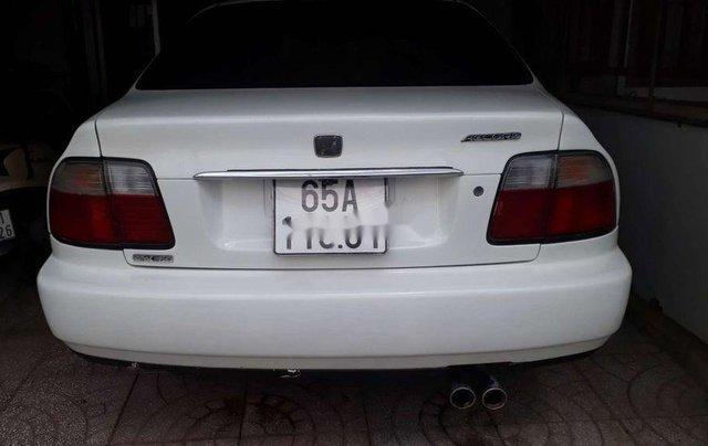 Cần bán lại xe Honda Accord đời 1997, màu trắng, chính chủ1