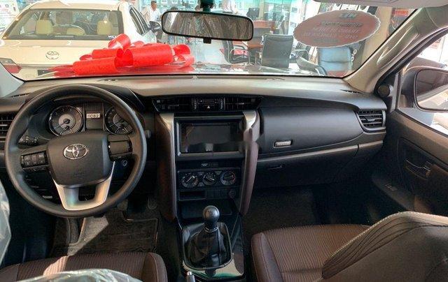 Cần bán xe Toyota Fortuner đời 2019 giá tốt2