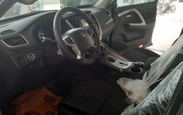 Bán xe Mitsubishi Pajero 2019, xe nhập, nhiều ưu đãi8