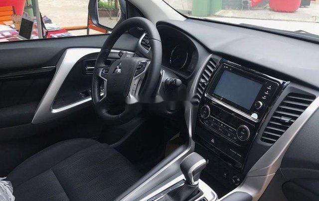 Bán xe Mitsubishi Pajero 2019, xe nhập, nhiều ưu đãi5