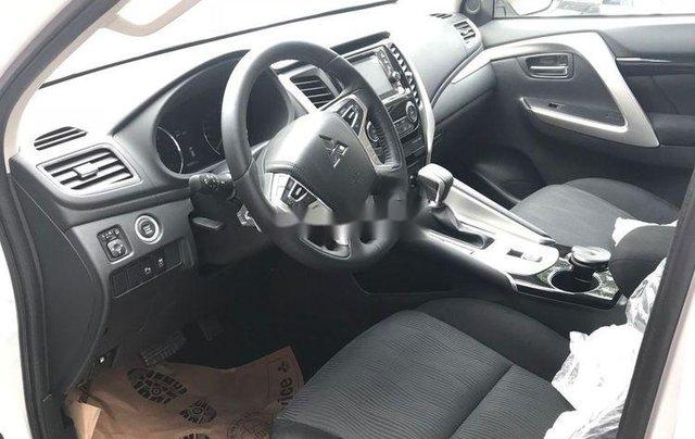 Bán xe Mitsubishi Pajero 2019, xe nhập, nhiều ưu đãi4